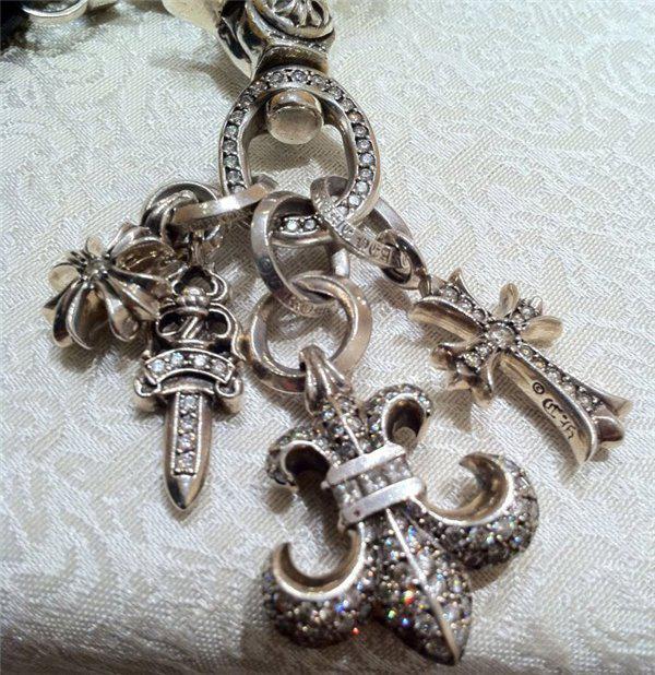 克罗心是全球知名的银饰品牌