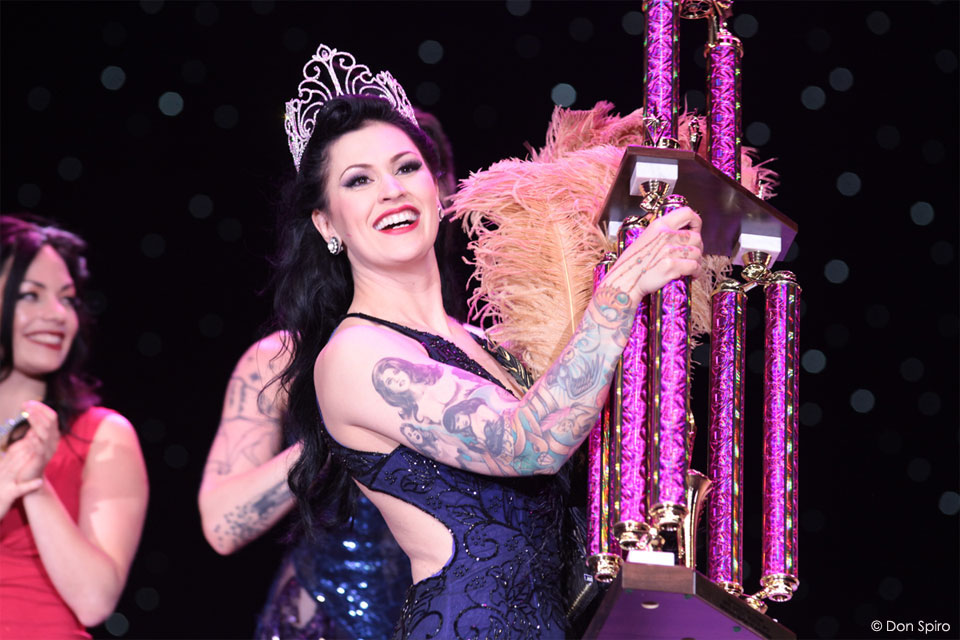 LouLou D'vil receives her trophy as Miss Exotic World 2013, the Reigning Queen of Burlesque. ©Don Spiro