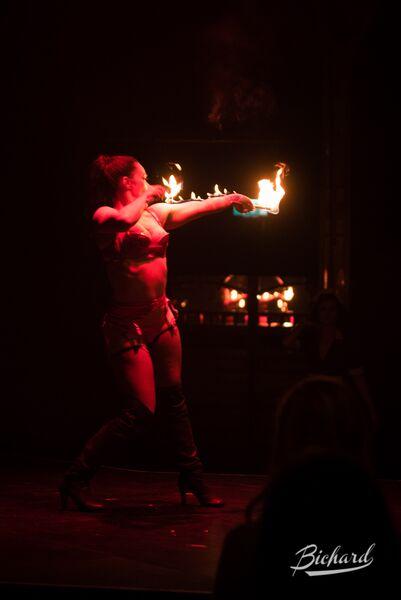 Kitty Bang Bang in Between the Sheets: An Intimate Cabaret at London Wonderground 2015.  ©John-Paul Bichard