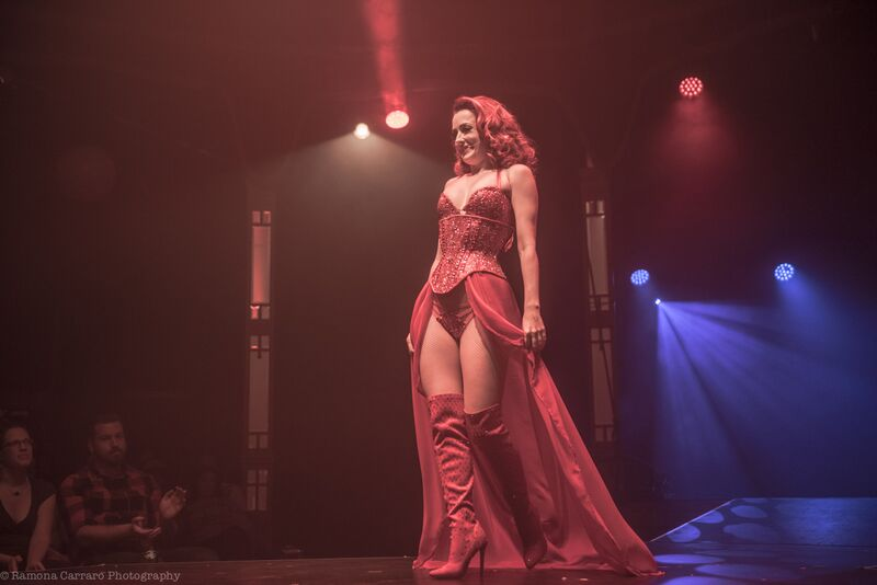 Polly Rae in Between the Sheets: An Intimate Cabaret at London Wonderground 2015. ©Ramona Carraro Photography