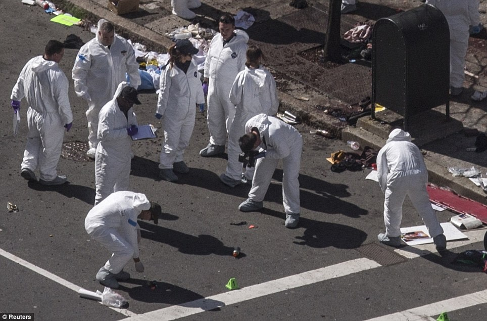 Boston-Bombing-Clean-up-team-removing-evidence