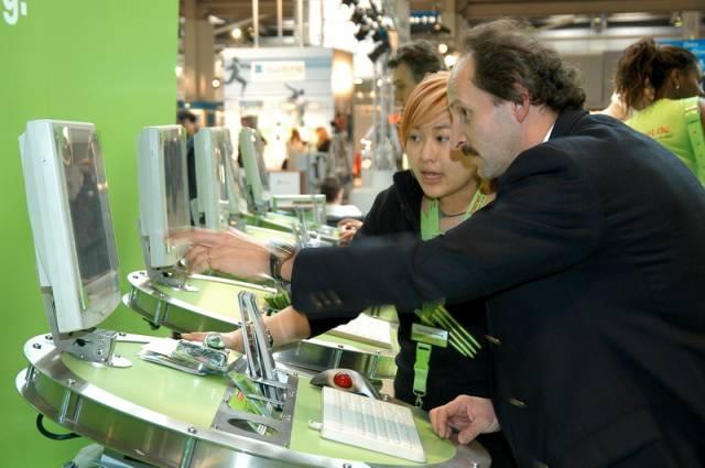 Největší evropský veletrh informačních technologií se otevřel spotřební elektronice a hernímu průmyslu. Je to vítězství, prohra či jen zákonitý vývoj?