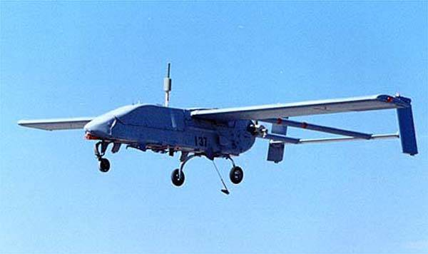 Moderní prostředky jsou i v rukou izraelské špionáže.Ke sledování palestinských teroristů používá izraelská armáda malých průzkumných bezpilotních letounů poměrně často.