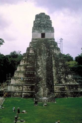 Pátrání po prastarých civilizacích v Jižní a Střední Americe je jedním z nejnapínavějších dobrodružství archeologie a přináší neustále nové a nové objevy.