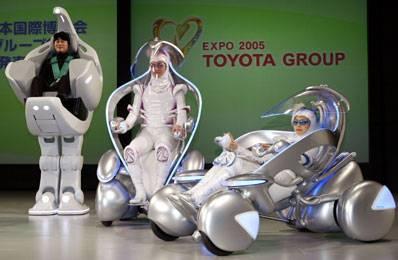 Toyota na EXPU 2005 v japonském Aichi chce oficiálně představit své nové roboty, kteří by měli usnadnit život především tělesně postiženým lidem.