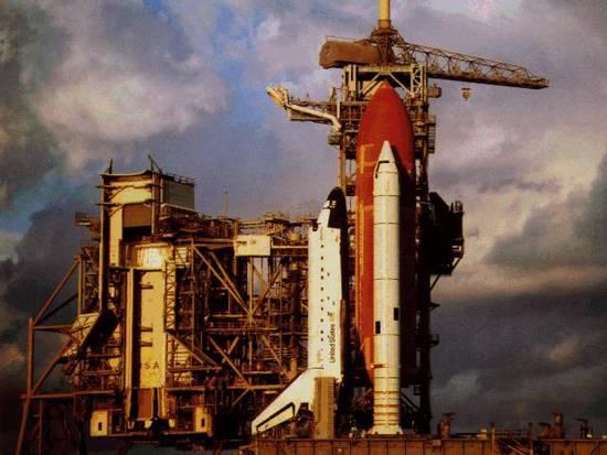 Po více než dvou letech od katastrofálního zániku raketoplánu Columbia NASA nyní oznámila, že se znovu vydá do vesmíru. Datum prvního startu stanovila na 15. května.