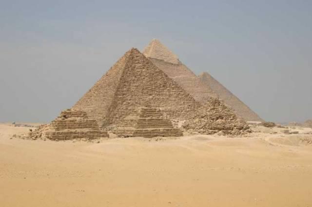 Rozsáhlé pohřebiště, staré více než 5000 let, objevil v Egyptě v těchto dnech tým amerických a egyptských archeologů.