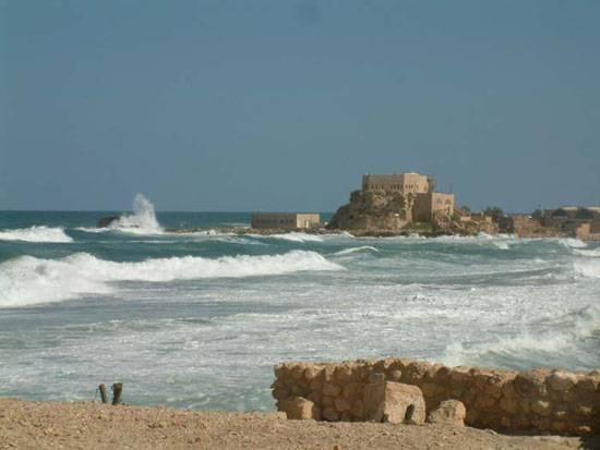 Pozůstatky honosného paláce, pocházejícího z byzantského období, odhalili v těchto dnech izraelští archeologové v Caesareji při severním pobřeží země.