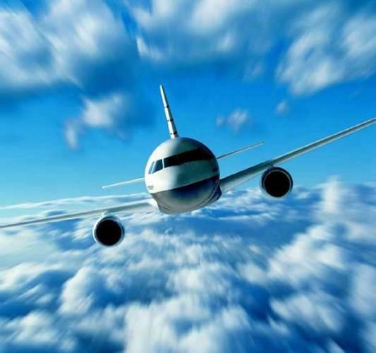Prázdniny a dovolené nabízejí spoustu možností nějakým způsobem létat vzduchem. Slouží k tomu LETADLA, což je odborné označení pro všechna zařízení schopná létání, tedy nikoli jen pro dopravní letouny.