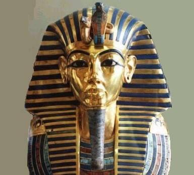 Nejnovější vědecké výzkumy odhalily, že egyptský faraón Tutanchamon byl milovníkem červeného vína.
