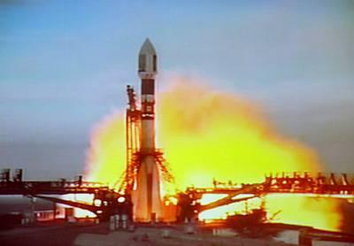 Evropská kosmická agentura  vyslala svoji vůbec první raketu k Venuši. Celých patnáct let nevyrazila k našemu nejbližšímu vesmírnému sousedu jediná sonda.