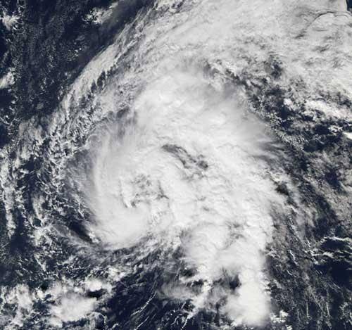 30. prosince se v severním Atlantiku zformovala tropická bouře Zeta a už tak rekordní počet 26 hurikánů z loňského roku vylepšila na 27.