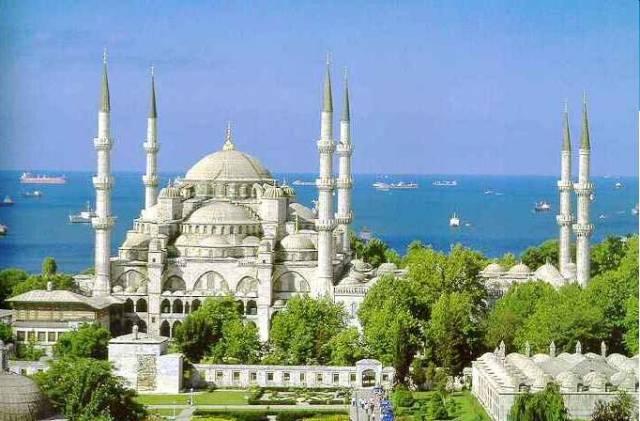 Severoafrické Alžírsko hodlá postavit novou mešitu, která pojme 40 000 lidí. Její dominantou pak má být 300 metrů vysoký minaret.