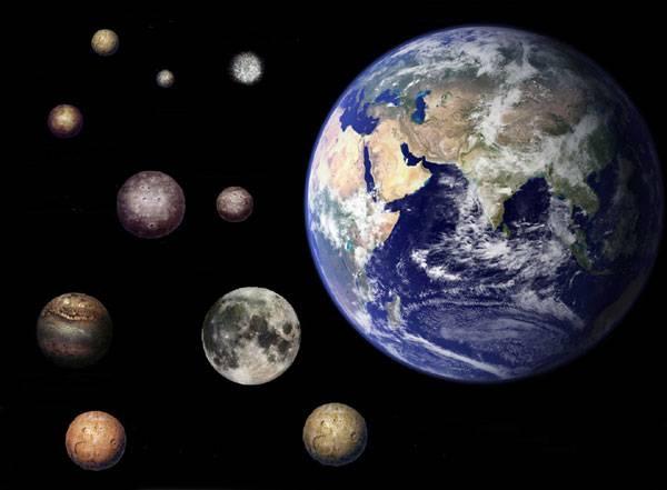 """Kolik vlastně máme ve sluneční soustavě planet? Do konce 18. století zněla odpověď """"šest"""". A kolik jich je dnes? O tom Mezinárodní astronomická unie dosud nerozhodla!"""