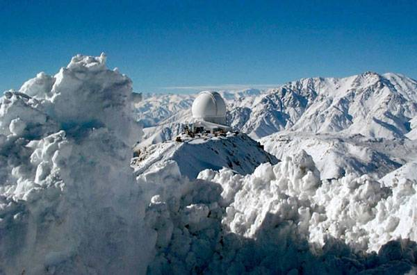 Nejchladnějším místem (v ročním průměru) je stanice Plateau v Antarktidě s krutým mrazem - 89 °C. Nám však postačí zima, kterou právě prožíváme u nás.