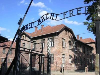 Mnohá tajemství z éry nacismu by mohla být poodhalena. Německo se rozhodlo otevřít archivy Mezinárodního výboru Červeného kříže.