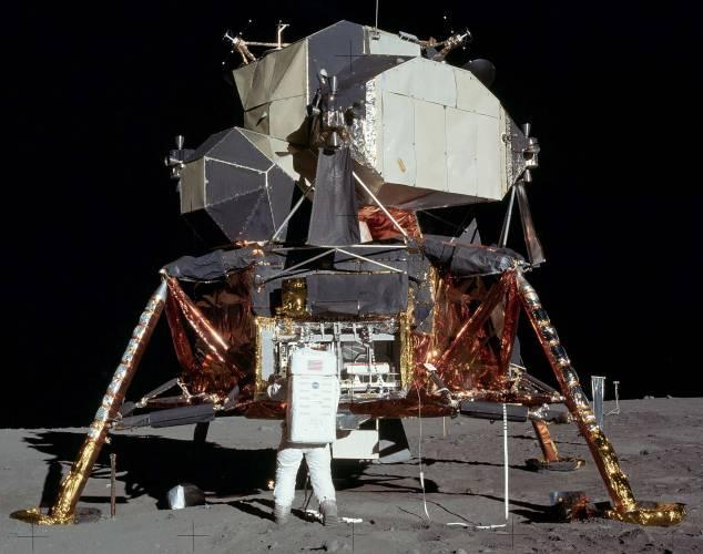 Americkému Národnímu úřadu pro letectví a vesmír (NASA) se ztratila jedna z jeho nejcennějších relikvií - původní nahrávka z cesty Apolla 11 na Měsíc.