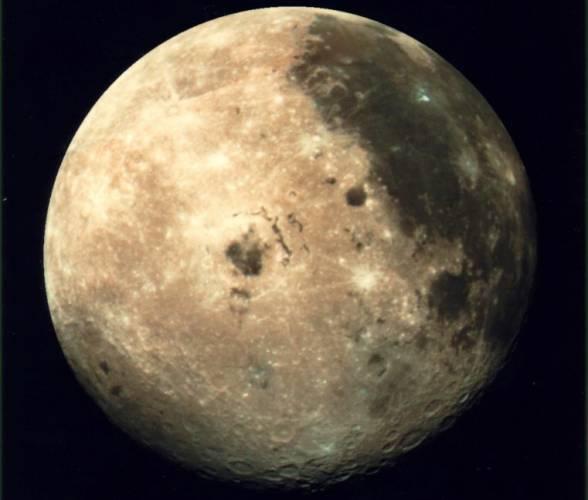 Ve čtvrtek 7. září dojde k částečnému zatmění Měsíce, kdy se disk našeho kosmického souseda částečně vnoří do plného zemského stínu.