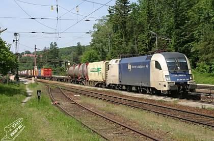 Hodně vousatý rekord překonala tuto sobotu německá lokomotiva ES64U4-Taurus. Výkonem 357 kilometrů v hodině překonala dosavadní rekord ustanovený v roce 1955.