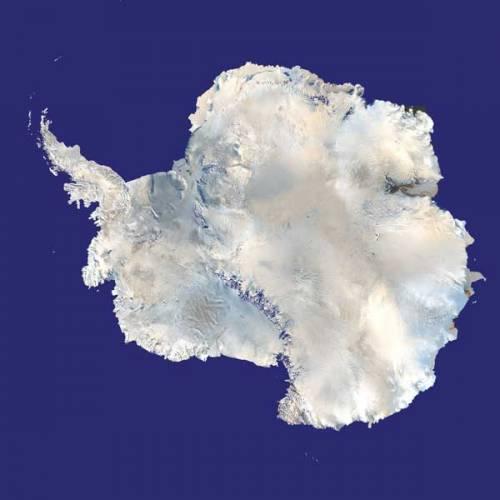"""O zásobách vody v pevném skupenství, tedy v podobě ledu, na naší planetě toho moc nevíme. Částečně je to dáno tím, že se největší ledovce """"schovávají"""" stranou hlavních oblastí osídlených lidmi, částečně jejich obřími rozměry a nehostinností, což komplikuje jejich pozemské zkoumání. Kosmická éra ovšem náš pohled na ledovce značně mění."""