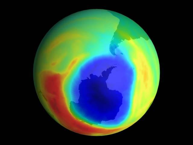 Ačkoliv ještě v srpnu americký Národní úřad pro výzkum oceánů a atmosféry tvrdil, že ozónová vrstva se zaceluje, měření NASA ukázalo pravý opak.