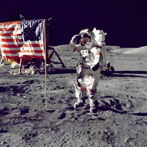 NASA chystá návrat astronautů na Měsíc. Ve světle těchto zpráv se opět objevují kritické hlasy, které tvrdí, že se nejedná o návrat, protože Američani tam nikdy nebyli. Jaká je tedy pravda?