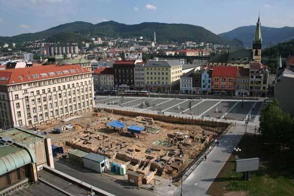 Nejrozsáhlejší archeologický výzkum v dějinách města Ústí nad Labem, prováděný nejmodernějšími dostupnými metodami, přinesl množství překvapivých objevů. A čekají se další!
