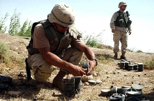 Nášlapné miny jsou jednou z nejzákeřnějších zbraní. Vědci nyní nalezli levnější způsob, jak je likvidovat.