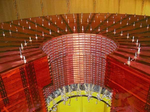 Do spuštění urychlovače protonových částic zbývá necelý rok, první testy dokonce proběhnou ještě letos. Nemůže se pokus vymknout vědcům z rukou?