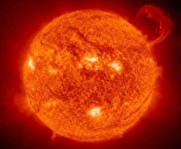 Naše nejbližší hvězda vstoupila do aktivní fáze, která vyvrcholí mezi roky 2011 a 2012.