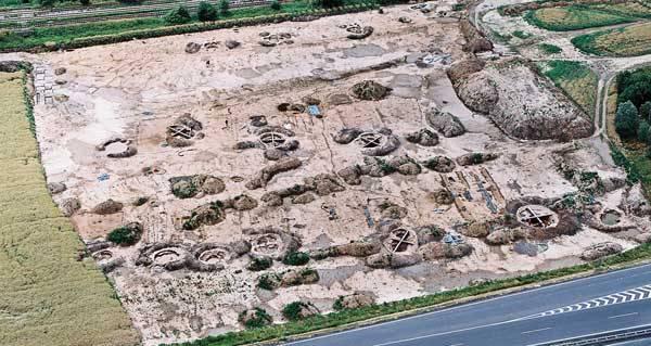 V Příšovicích na Liberecku byla odkryta více než šest a půl tisíce let stará pravěká vesnice. Unikátní objev nemá podle odborníků v celé střední Evropě obdobu!