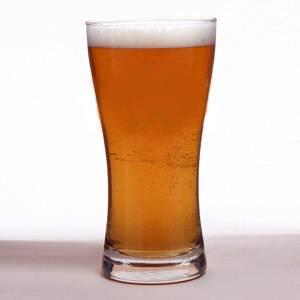 Počet publikovaných článků v prestižních vědeckých časopisech je nepřímo úměrný množství vypitého piva.