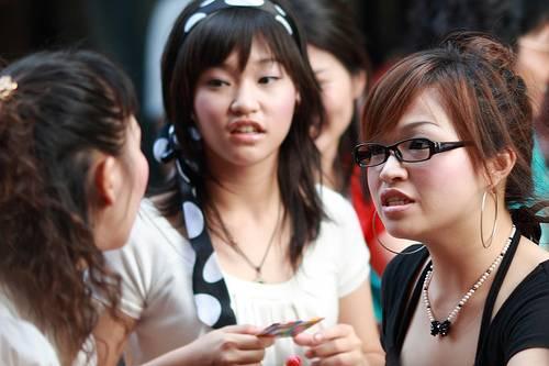 Jazykovědci tvrdí, že nám zůstane jen jednoduchá angličtina