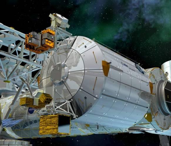 K Mezinárodní vesmírné stanici ISS se připojil 11. února letošního roku další modul. Je jím výzkumná laboratoř Columbus, vyslaná do vesmíru Evropskou kosmickou agenturou ESA. Sedm metrů dlouhý a čtyři a půl metru vysoký válec přišel členské země ESA na plných 36 miliard korun, což je třetina ceny jaderné elektrárny Temelín!
