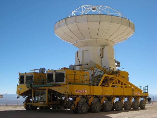 Uprostřed nehostinné chilské pouště Atacama staví Evropská jižní observatoř (ESO) nejmodernější soustavu teleskopů, které mají zachycovat světelné signály ze vzdálených, nejchladnějších koutů vesmíru.