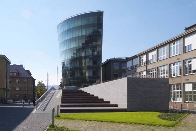 Projekt Technické univerzity v Liberci zaměřený na výzkum a vývoj nanomateriálů je jedním z osmi úspěšných projektů, který získal peníze na svoji realizaci v rámci operačního programu Výzkum a vývoj pro inovace.
