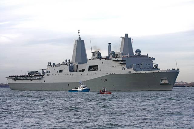 Chytrá, silná, všestranná. Tak hodnotí vojenští experti novou válečnou loď amerického námořnictva USS New York – LPD-21. Pod nenápadným zevnějškem lodi se skrývá ta nejmodernější technika, jakou si dnes dovedeme představit.