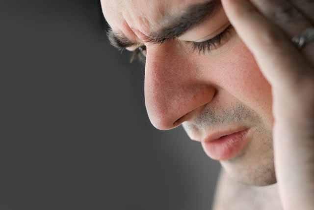 Aktuální cifry jsou neúprosné: Čtyři z pěti pacientů v ČR trpí chronickou bolestí! Většinu případů lze přitom zastavit či alespoň zmírnit vhodnou léčbou. Bohužel, ta se většinou, podle názoru některých odborníků, u nás kupodivu často nevolí správně!