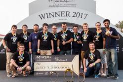 Drony z ČVUT bodovaly na robotické soutěži v Abú Zabí