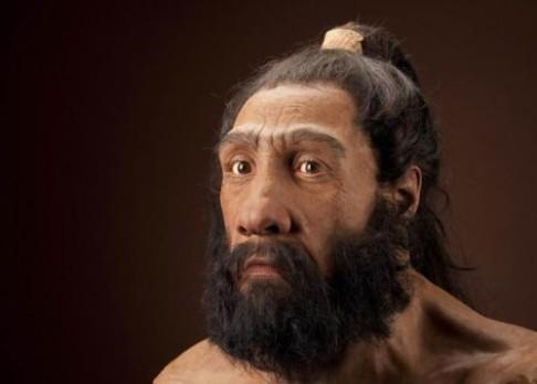 Z čeho narostly neandertálcům svaly?