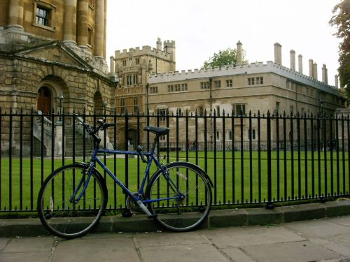 Oxford uzavře vjezd do centra benzinovým a naftovým vozům