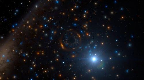Neobvyklé chování hvězdy prozradilo černou díru skrytou v nitru hvězdokupy