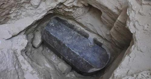 Co skrývá záhadný sarkofág nalezený v Egyptě?