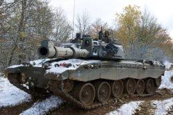 """Britové přizpůsobují své tanky nočním operacím. Dostanou přezdívku """"Black Night"""""""