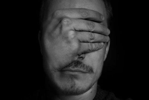 Studie odhalila, že nevidomí mají skutečně lepší sluch