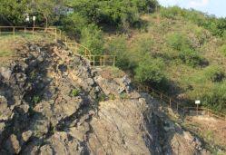 Vědci zkoumají šíření tepla ve skalách