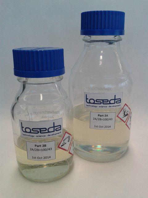 5. Expandovatelné dvousložkové adhesivum pro lepení tepelně isolačních pěn nádrží na kapalná paliva nosných raket