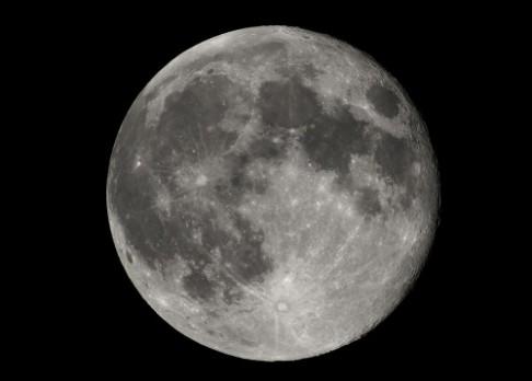 Dinosauři mohli zažít sopky na Měsíci
