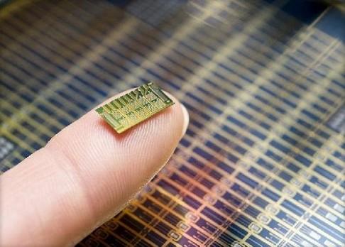 Antikoncepční čip je na světě!