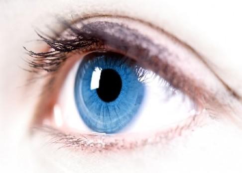 Bionické oko přináší naději nevidomým